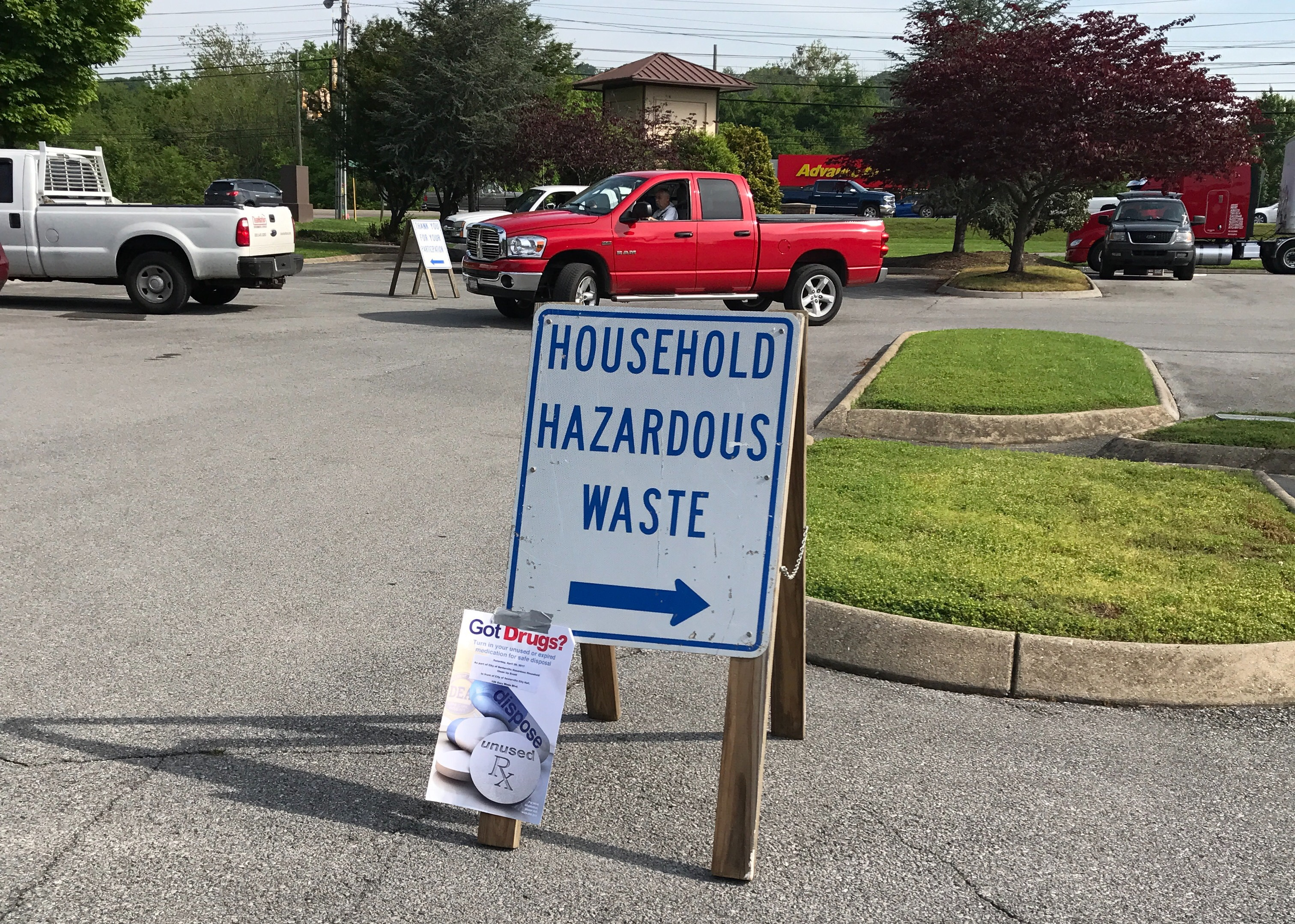 Keeping Sevierville Beautiful: Extreme Home Cleanup, Spring